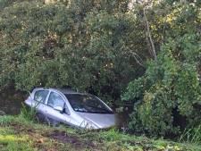 Automobilist aangehouden die in sloot in Hazerswoude-Dorp belandt
