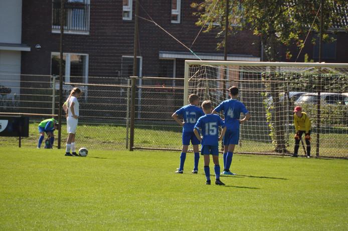 De jeugdteams van The White Boys maakten tijdens de eerste competitiewedstrijden zaterdagmiddag de hoge verwachtingen waar.