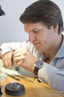 Horloge van 2289 euro uit auto gestolen van Boekelose horlogemaker