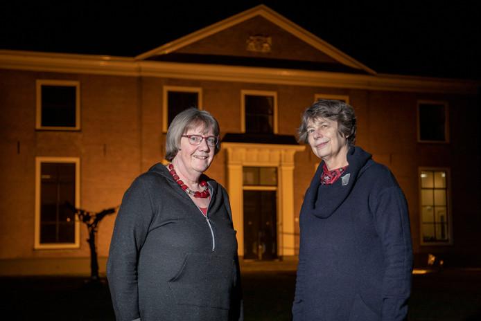 Clasien Lever en Renée Raaijmakers (rechts) organiseren koffieconcerten in Huis Kernhem.