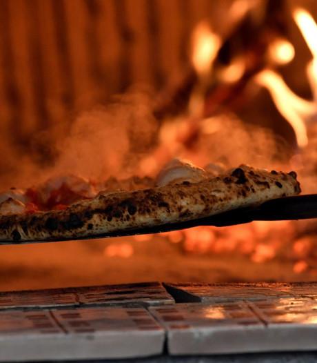 Amsterdammer vast voor beroving pizzakoerier Zaandam