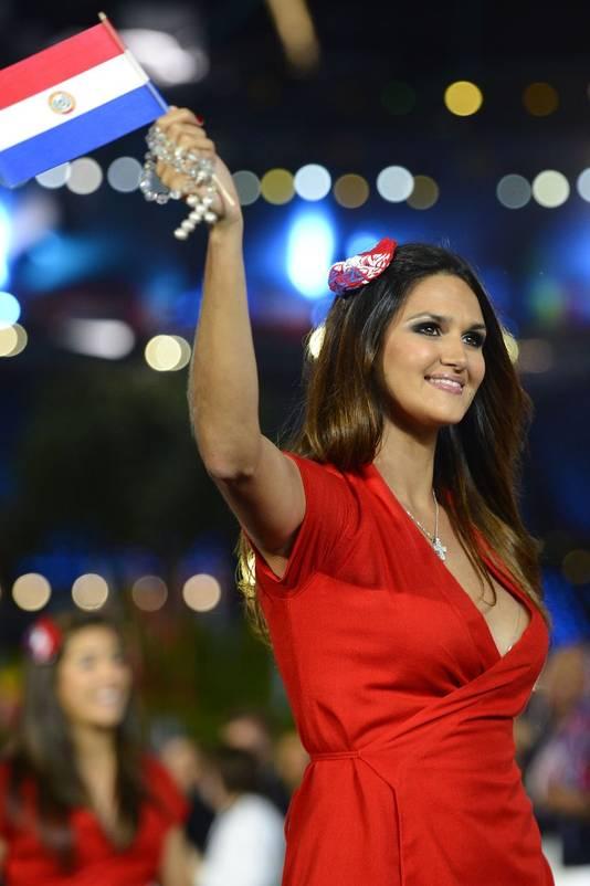 Leryn Franco tijdens de openingsceremonie in Londen.