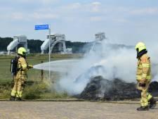 Brandweer blust hooi in Driel