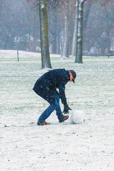 De Rotterdamse regio kleurt wit: dat betekent sneeuwballen gooien en winterse foto's maken
