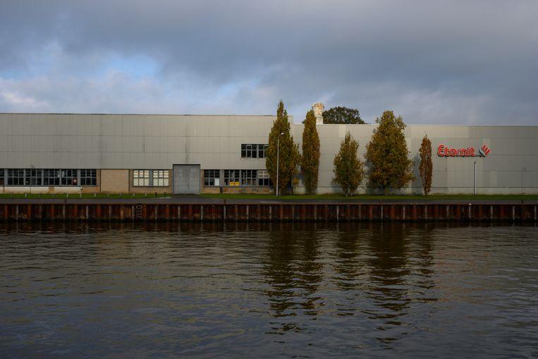 Het bedrijfspand in Goor, Overijssel.  Beeld Bram Petraeus