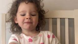 Ouders testen het geduld van hun kinderen met schattige challenge