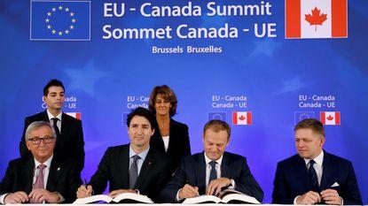 """CETA-akkoord ondertekend in Brussel: """"Goed gespeeld, resultaat geboekt"""""""