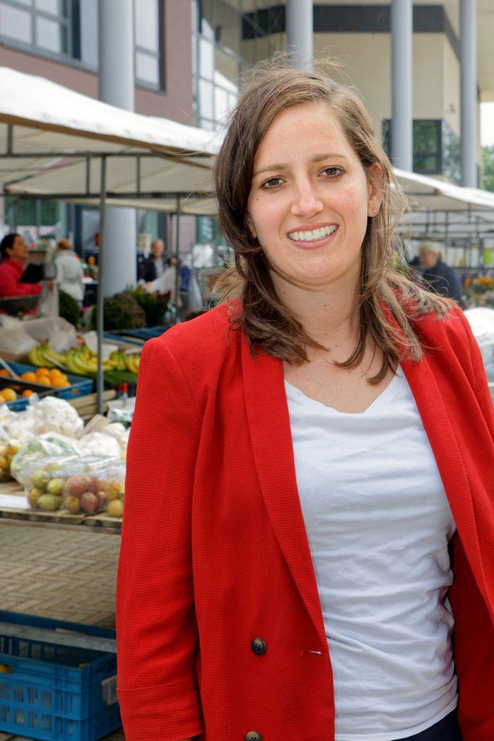 Stephanie Verdoolaege werkt bij de gemeente Moerdijk en coördineert het Sportakkoord.