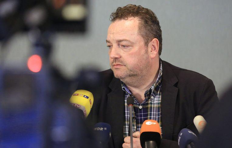 Bodo Klimpel, burgemeester van Haltern am See, op de persconferentie. Zestien leerlingen en twee leerkrachten kwamen gisteren om bij het vliegtuigongeval.