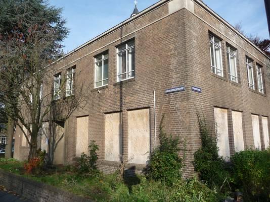 Kruisbroederhof 10, het gekraakte pand bij de Sint-Cathrienkerk