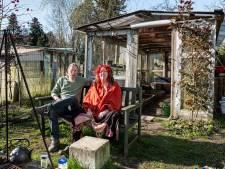 Hans en Liane hoeven niet te hamsteren, ze hebben hun eigen supermarkt: een moestuin van 600 vierkante meter
