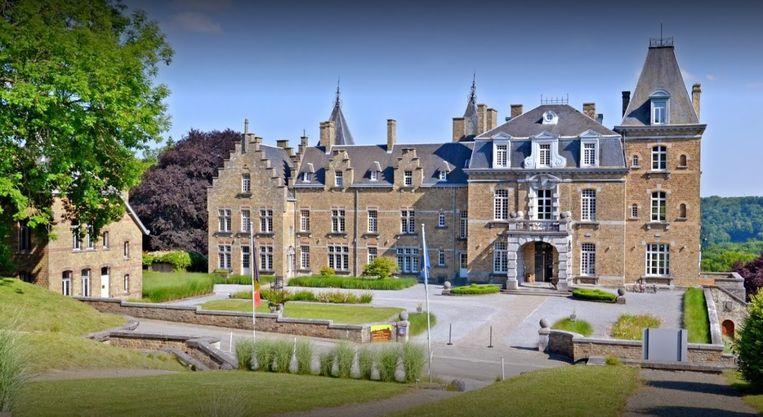 Het kasteel 'Domaine de Ronchinne' vlakbij Namen. In een bijgebouw van dit kasteel overnachtten het schepencollege en het managementteam van Kapelle-op-den-Bos.