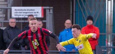 Voetballer OJC Rosmalen krijgt voet in gezicht en raakt ernstig gewond tijdens vriendentoernooi