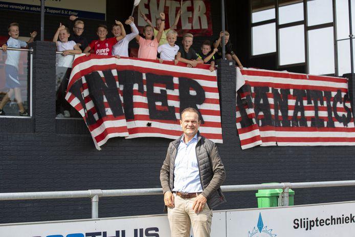 """SV Enter-voorzitter Jos van Otten: """"Zondag leeft enorm op de club."""""""