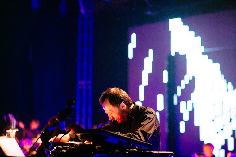 Squarepusher treedt samen met het Metropole Orkest op tijdens festival Cross-Linx. Beeld Michal Ramus