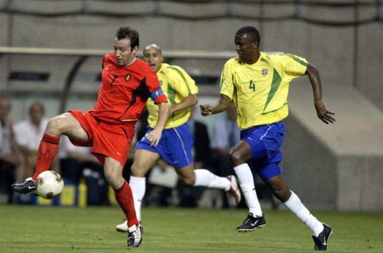 In de achtste finales gaat België met 2-0 onderuit tegen Brazilië. Maar bij 0-0 keurt de Jamaïcaan Peter Prendergast een doelpunt van Marc Wilmots af, tot woede van de Belgen. Hij zag een (ingebeelde) duwfout op Roque Junior.