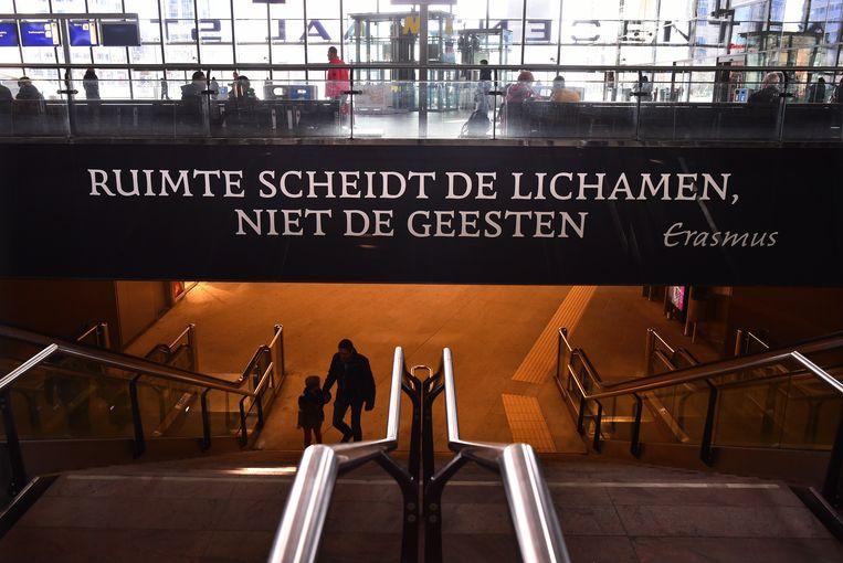 De stationshal van Rotterdam Centraal. Beeld Marcel van den Bergh