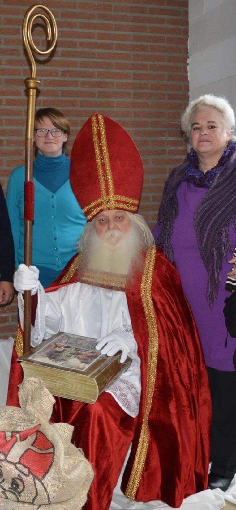 Hulpsint Herman Janssens, met rechts van hem zijn vrouw Hildegarde.