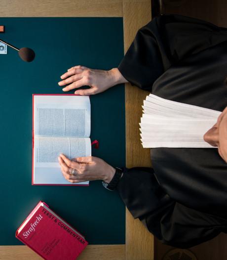 Eis: 4,5 jaar cel voor brute overval op buurvrouw (67) in Apeldoorn om Amerika-reis te kunnen betalen