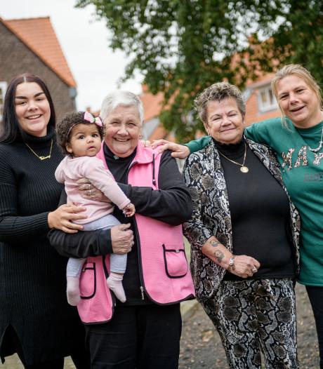 Vijf generaties vrouw op de foto in Enschede: 'We gaan voor de zes!'