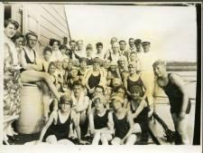IJskoude zwemlessen in drijvend zwembad Hellevoetsluis
