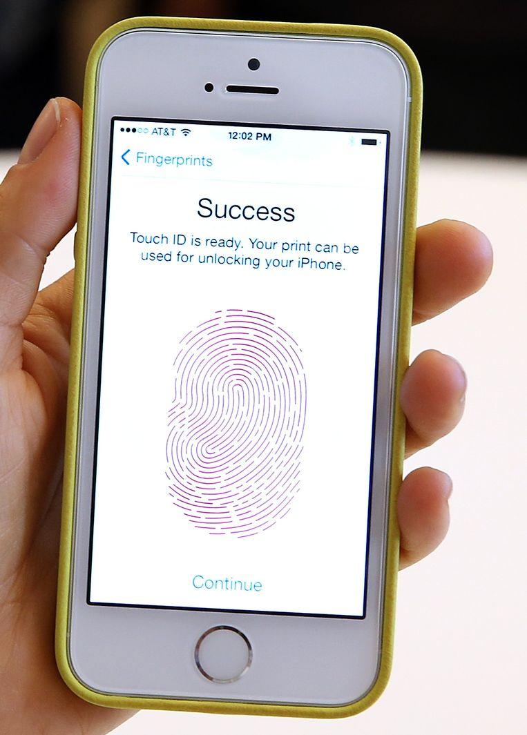 Gezichtsherkenning is lastiger dan identificatie door middel van een vingerafdruk.