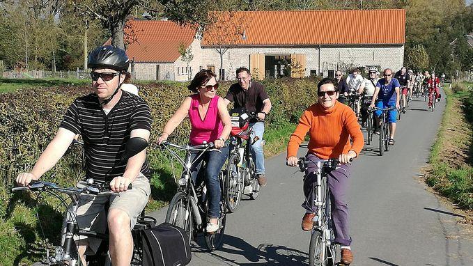 Fietsers kaarten knelpunten aan met fietstocht