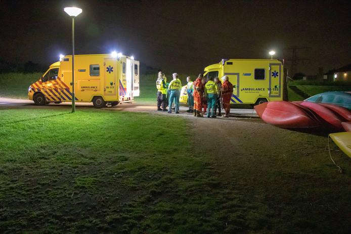 Zeven mensen naar ziekenhuis na brand op schip in de Biesbosch