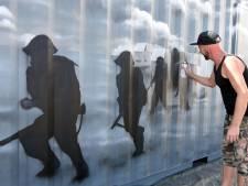 Commando's herleven op zeecontainer in Terneuzen