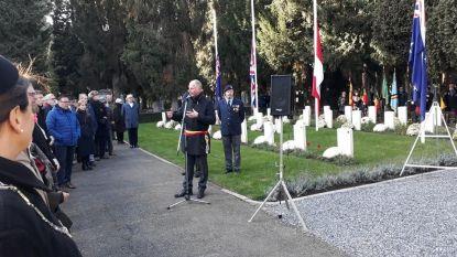 Gesneuvelden herdacht begraafplaats Maastricht