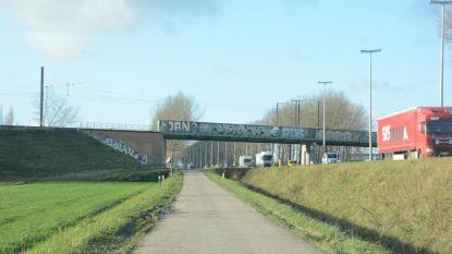 Nieuwe fietsersbrug over E34