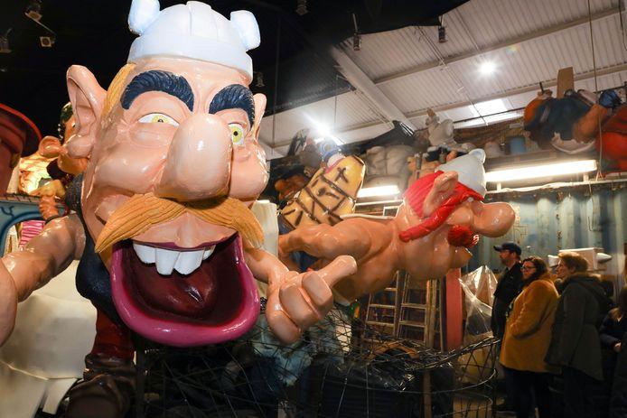 Carnavalswagens moeten dit jaar ook in Sas van Gent buiten blijven, opname in de Leutfabriek, de vroegere Vlaanderenhal, archieffoto.