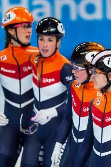 Oranje-shorttracksters laten wereldtitel aflossing glippen na val Schulting in slotfase