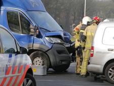 Persoon bekneld bij ongeval op afrit A1 in Markelo