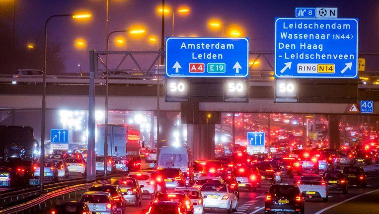 De A4 tussen Amsterdam en Den Haag is een van de drukste wegen in Nederland. Beeld ANP