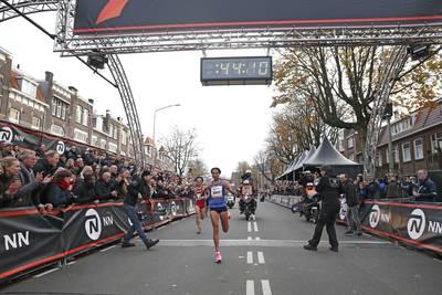 gidey-verpulvert-wereldrecord-15-km-bij-zevenheuvelenloop