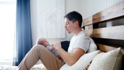 Binnenkort extra vaderschapsverlof? Kamer is akkoord, enkel budget ontbreekt nog
