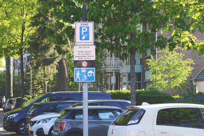 Betaald parkeren in Nijmegen-Oost.