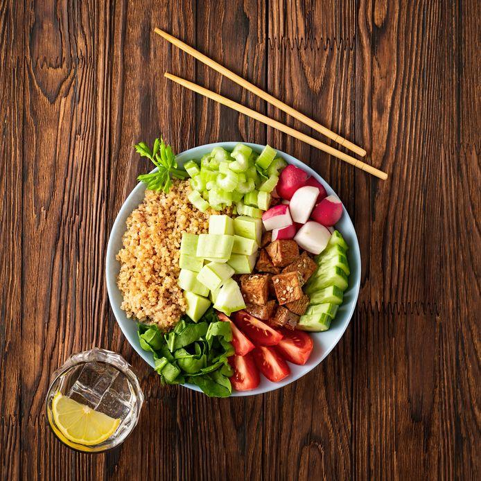 Poké bowl met quinao.