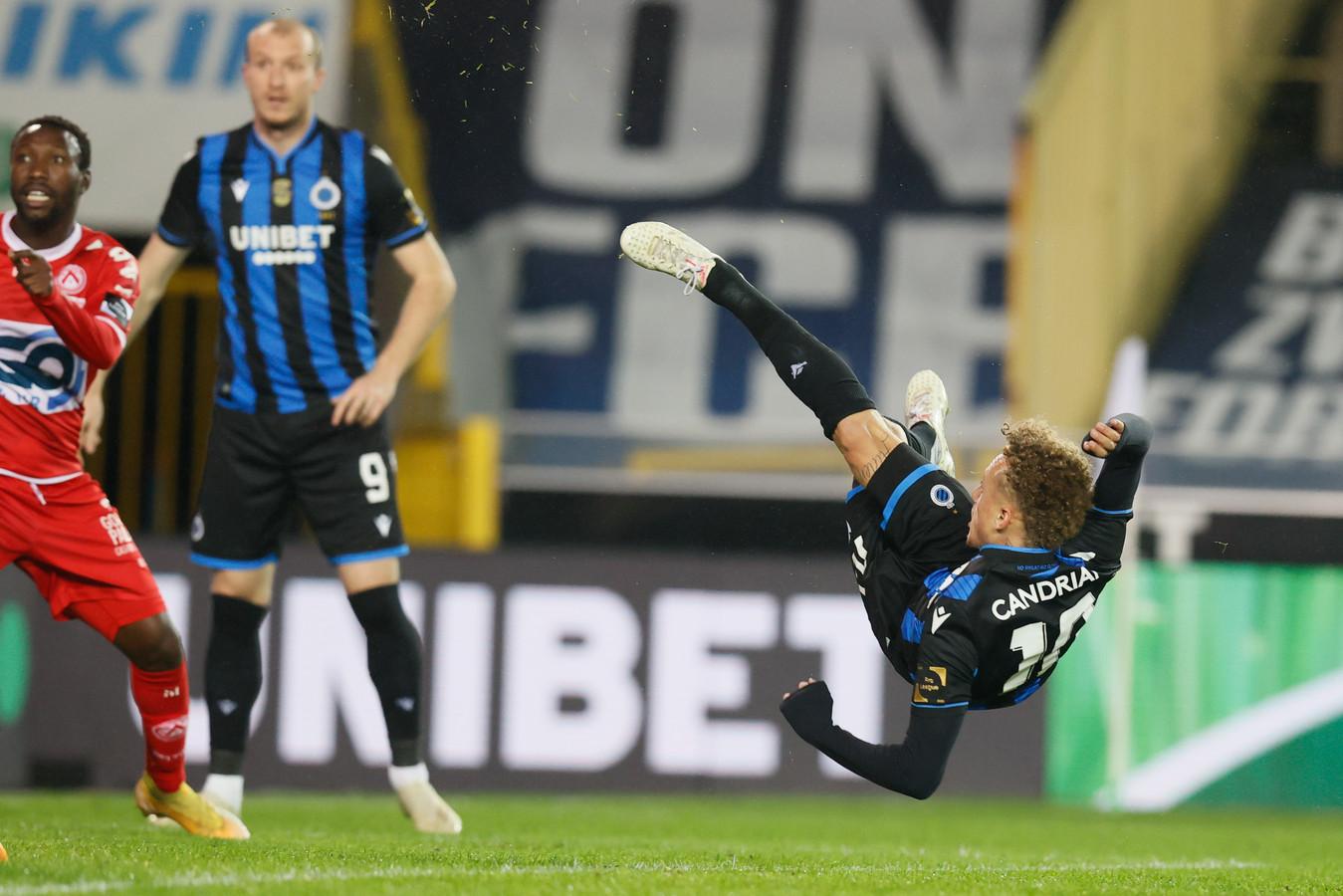 Noa Lang is de gevierde man bij Club Brugge.