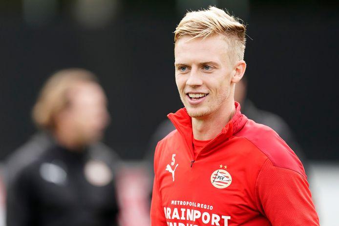 Timo Baumgartl vervangt in Zwolle normaal gesproken Jordan Teze.
