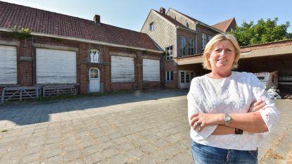 Schepen koopt oude wijkschool