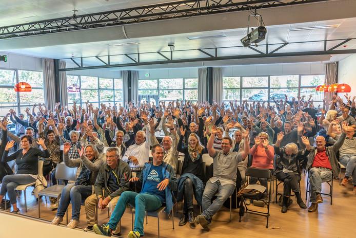 Bijna driehonderd gasten van Camping Duinrand in Burgh-Haamstede kwamen bijeen in de Pontes Pieter Zeeman.