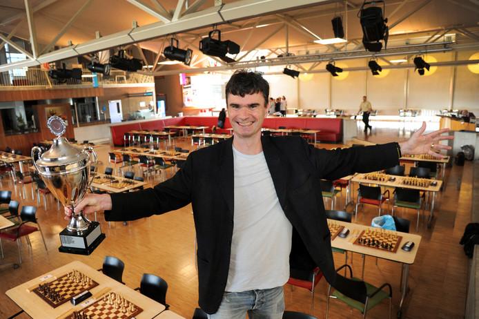 Grootmeester Loek van Wely won in 2016 het HZ-schaaktoernooi. Hij ligt opnieuw op koers voor een eindzege, al zal hij dan wel een antwoord moeten hebben op het spel van Gata Kamsky.