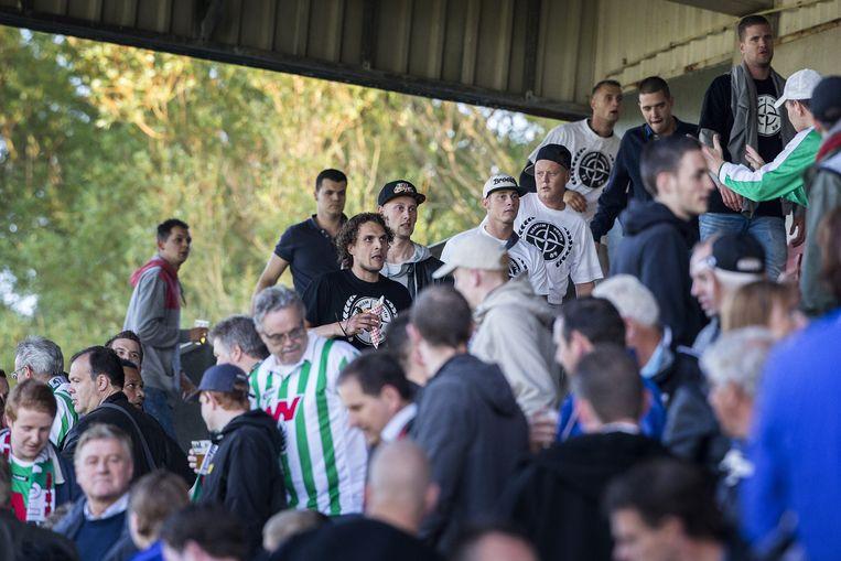 Haarlem Youth in het vak van Wageningen supporters. Beeld Jiri Buller
