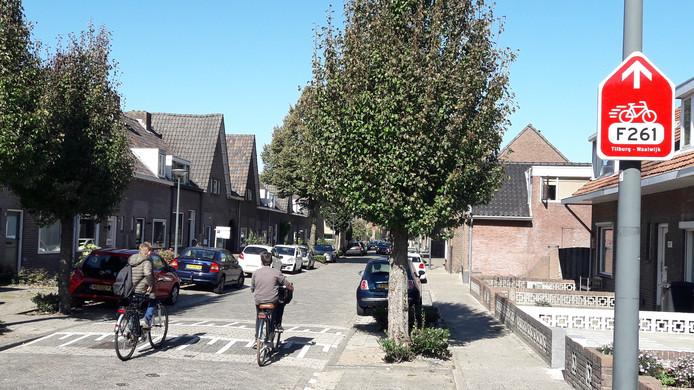 De nieuwe snelfietsroute was gepland door de Besoyensestraat in Waalwijk, maar de gemeenteraad besloot anders na protest van bewoners.