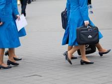 Stewardess Inge weet niet of ze straks nog werk heeft en verkoopt nu koffie in het park