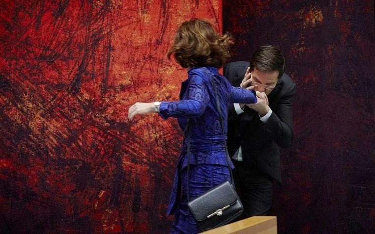Van Miltenburg krijgt een handkus van premier Rutte voor het debat over de Europese agenda, december 2013 Beeld anp