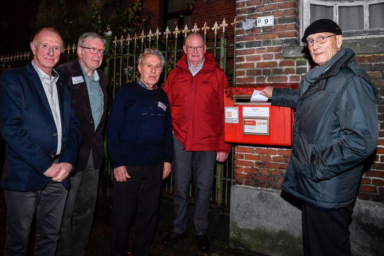 De leden van Okra Opdorp starten een petitie om het verdwijnen van de postbus aan de Dries tegen de gaan.