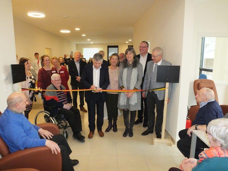 Minister Jo Vandeurzen kwam het dagverzorgingscentrum officieel openen.